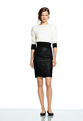 item11.rendition.slideshowVertical.Banana-Republic-Roland-Mouret-2014-Look11